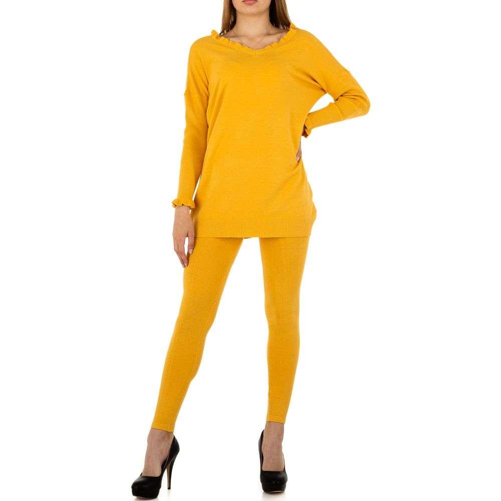 Costum de damă de Emma% 26Ashley Design - galben