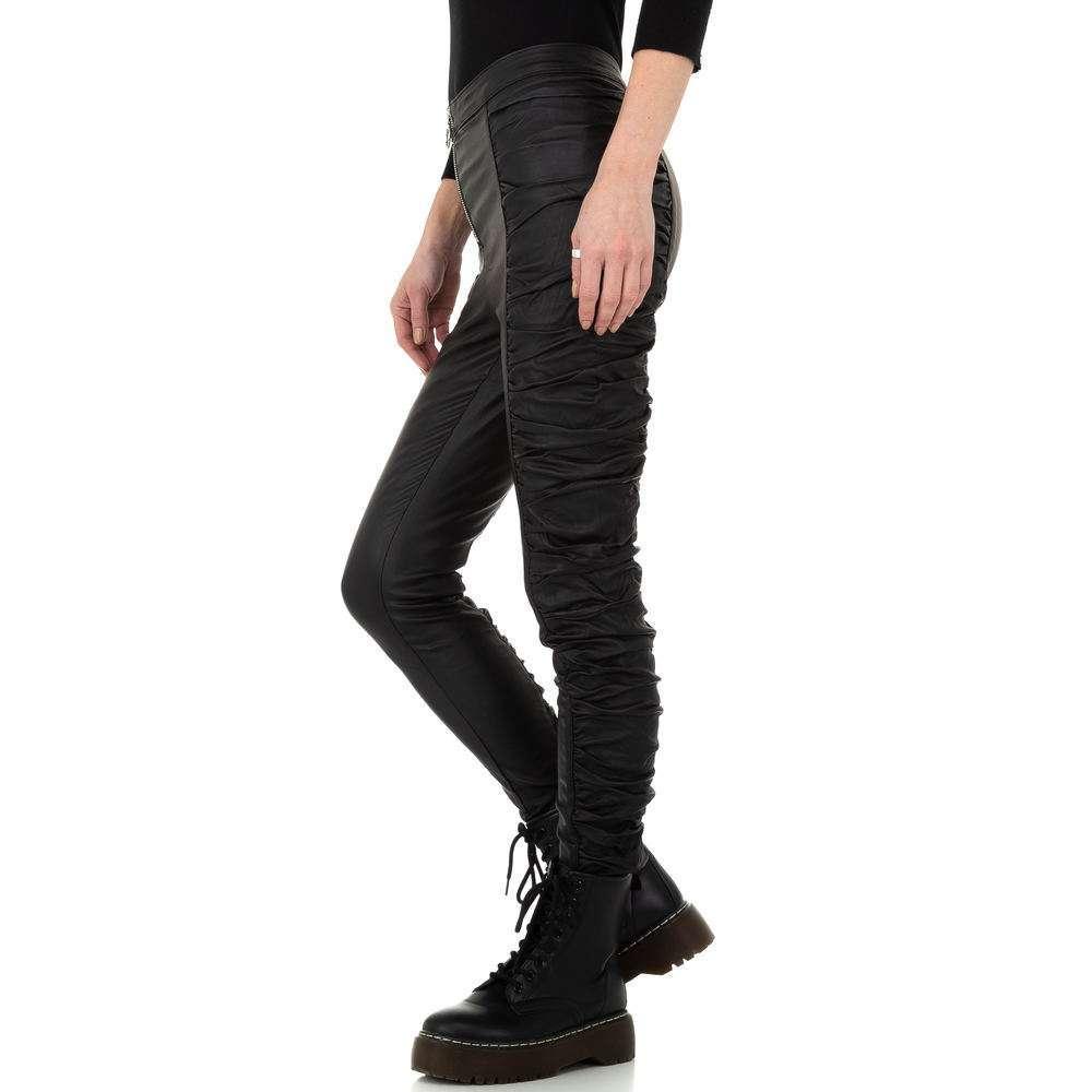 Pantaloni cu aspect piele pentru femei de la Daysie - negru - image 2