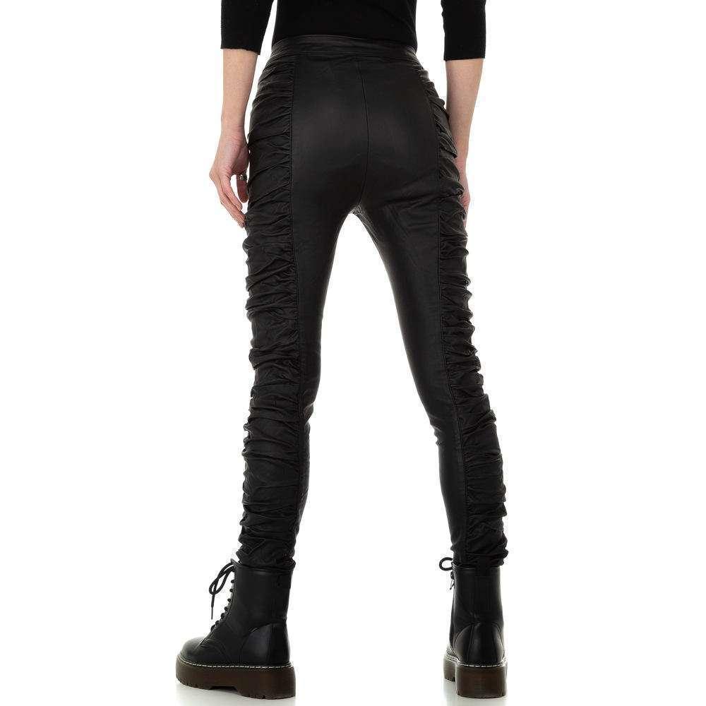Pantaloni cu aspect piele pentru femei de la Daysie - negru - image 3