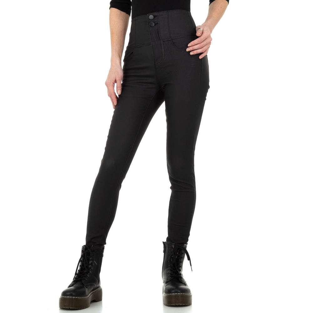 Pantaloni cu aspect piele pentru femei de la Daysie - negru
