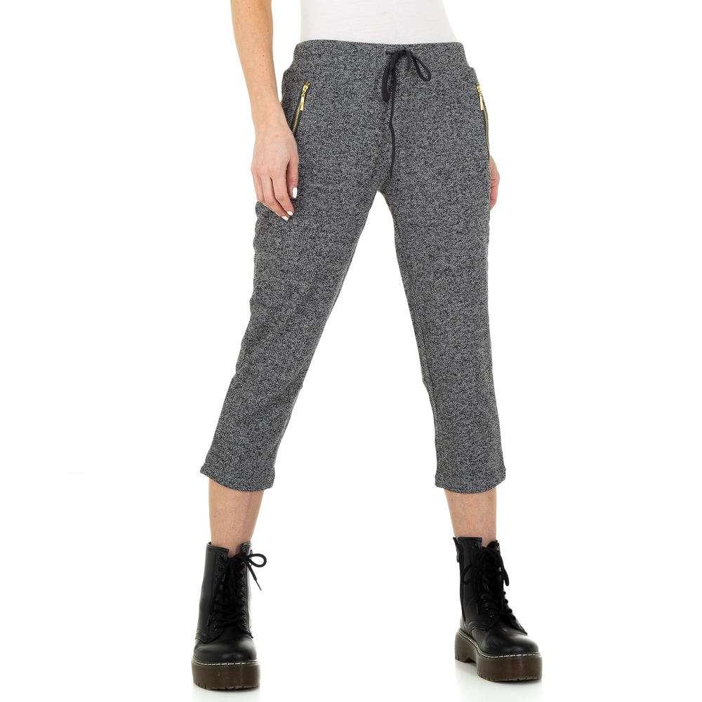 Pantaloni capri pentru femei de Metrofive - DK.grey