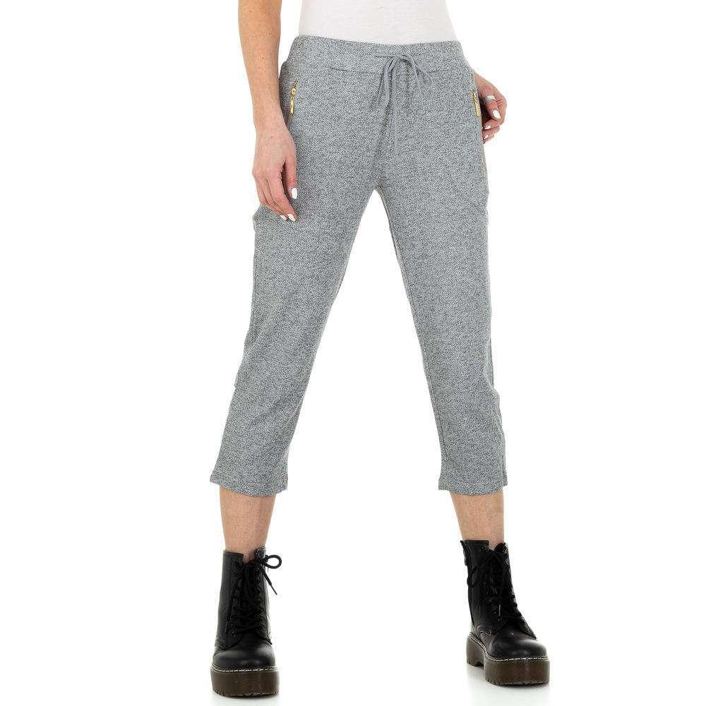 Pantaloni capri pentru femei de la Metrofive - gri