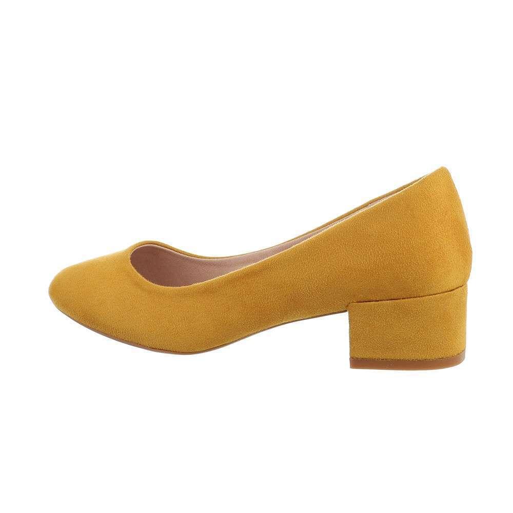 Pantofi clasici pentru femei - galbene