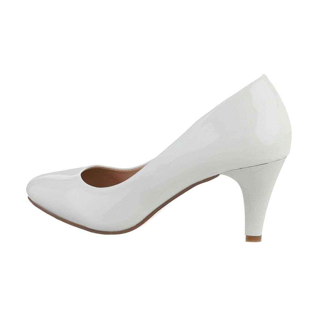 Pantofi clasici pentru femei - albe