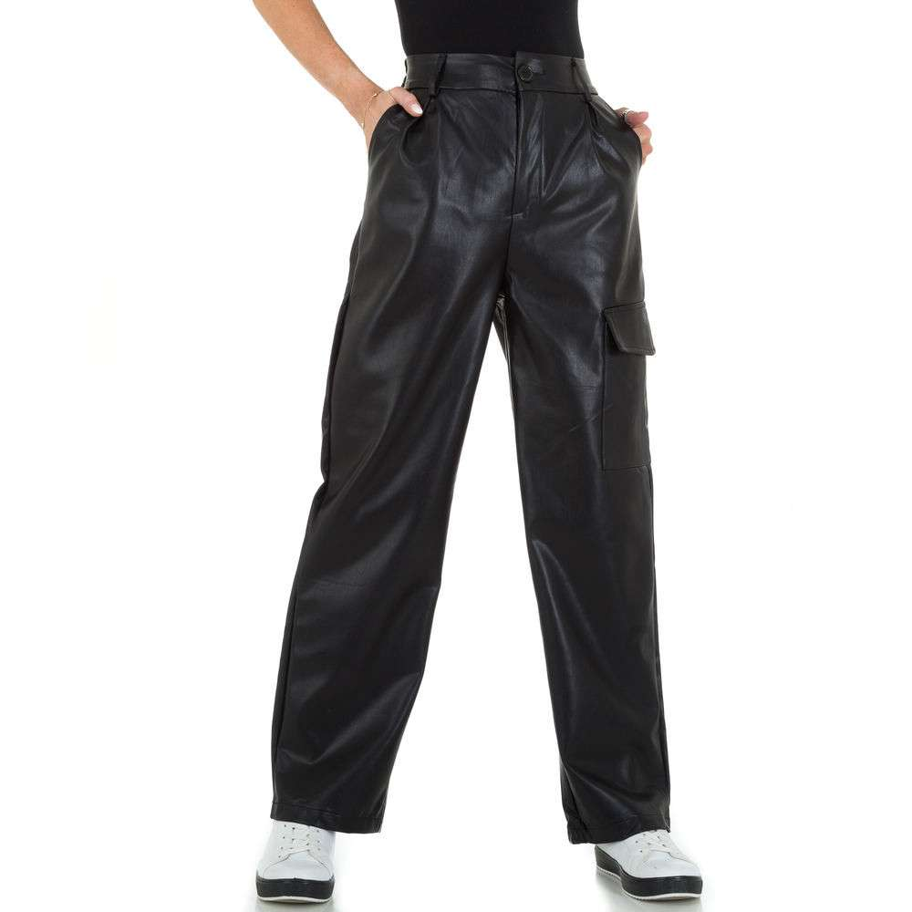 Pantaloni de damă în aspect piele by JCL - negru